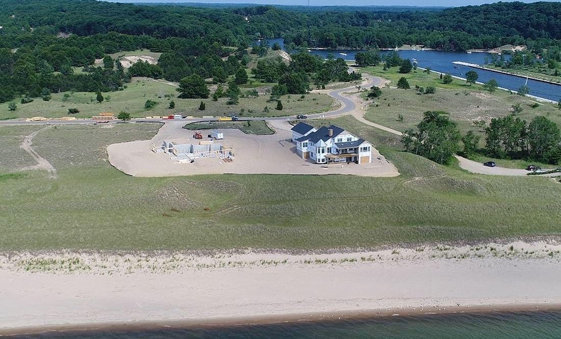 homes on Lake Michigan