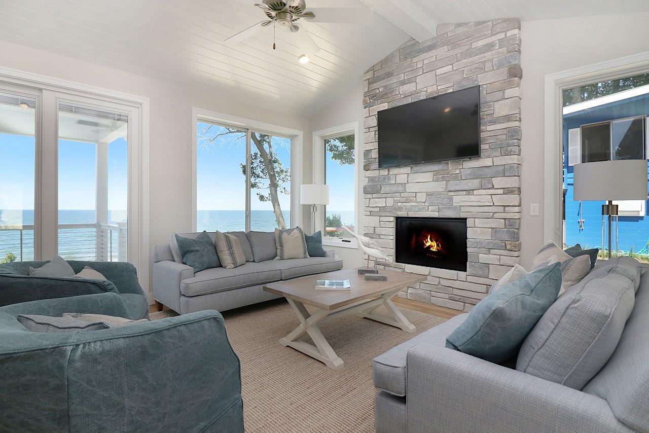 Beach house interior finishes lake michigan custom beach - Beach house interior design ...